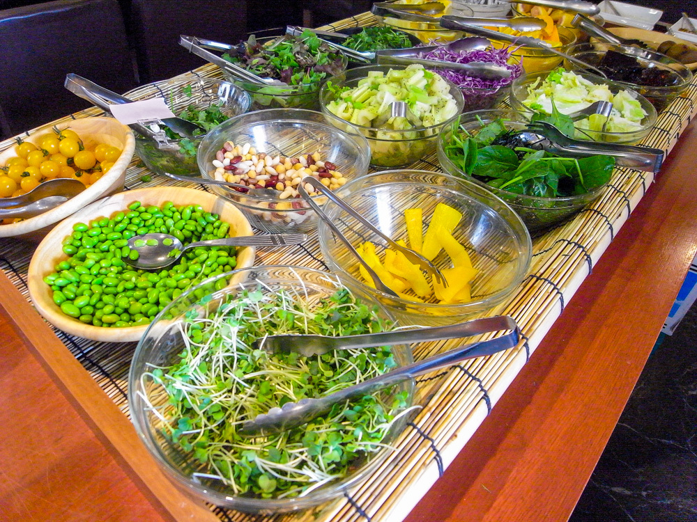 「定食カフェ 黒川食堂」のサラダバー