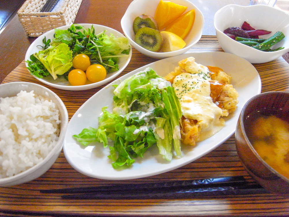 「定食カフェ 黒川食堂」の定食